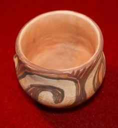 Cana ceramica de Cucuteni cu motive spiralate