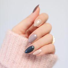 """5,076 Likes, 43 Comments - D A R I A (@kosmetycznahedonistka) on Instagram: """"Dziś na blogu najmodniejsze kolory paznokci na sezon jesień/zima 2017 wg Pantone i…"""""""