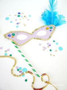 Bird's Party: Mardi Gras : Des modèles printables de masque à télécharger pour nos abonnés #mardigras #freebies #printables #mardigrasmasque #carnaval