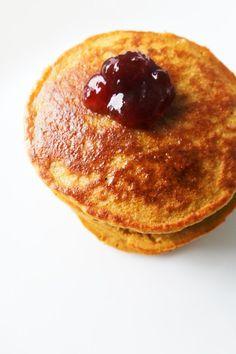 Oatmeal Pancakes {Healthy, But Addictive} - Her Highness, Hungry Me Breakfast For Kids, Eat Breakfast, Breakfast Recipes, Oatmeal Pancakes Easy, Oatmeal Cupcakes, Banana Pancakes, Greek Yogurt Recipes, Oatmeal Recipes, Baking Recipes