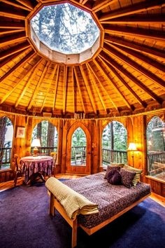Wooden dome room with skylight - dome house Yurt Living, Living Rooms, Unique Vacations, Tree House Designs, Dome House, Forest House, Round House, Log Homes, Tree House Homes