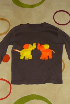 t-shirt with applique elephants 2   Flickr - Photo Sharing!