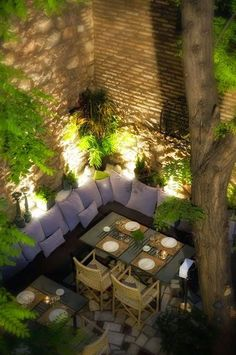 Outdoor dining. The lighting effects are beautiful#garden #gardenideas #contemporary
