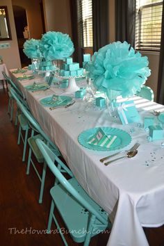 Ideas Breakfast At Tiffanys Bridal Shower Decor Sweet 16 Tiffany Birthday Party, Tiffany Party, Tiffany Wedding, Tiffany Blue Weddings, Wedding Table Decorations, Bridal Shower Decorations, Tiffany Baby Showers, Tiffany Theme, Tiffany's Bridal
