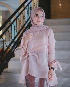 Dress Brukat, Organza Dress, Batik Dress, Hijab Dress, Batik Fashion, Knit Fashion, Hijab Fashion, Fashion Dresses, Kebaya Hijab