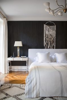 Textiles best classic interior home design: April interior house design - classic-interior-. interior design by Ali Cayne Calming Bedroom Colors, Bedroom Color Schemes, Serene Bedroom, Colour Schemes, Home Bedroom, Bedroom Decor, Bedroom Wall, Master Bedroom, Bed Room