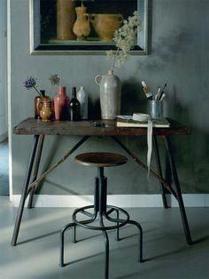 industrial goes soft...; Mobiliário de metal e madeira nos tons de cinza