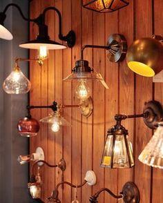 和泉本店のブラケットランプコーナー。 ブラケットランプは直結線のものが多いので、電気工事に間に合うよう早い時期からのご検討をオススメします^ ^ ・ #lighting_ps http://ift.tt/2iq0IUl