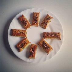 Cukinový snack French Toast, Snacks, Breakfast, Food, Basket, Hokkaido Dog, Tapas Food, Morning Coffee, Appetizers