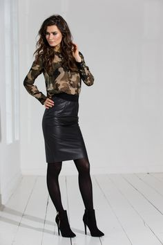 Geisha lederlook rok #leather #leatherlook #trends #fashion #fashiontrends #fall16 #winter17 #leatherette #lederlook #fakeleather