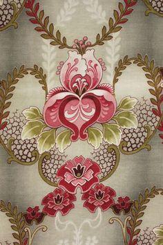 Large scale, dramatic Art Nouveau printed cotton fabric ~ LOVELY design ~ www.textiletrunk.com