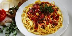 Nudle alla siciliana. REcepty — Podravka | S Podravkou chutná lépe Spaghetti, Ethnic Recipes, Food, Meals, Yemek, Spaghetti Noodles, Eten