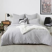 Made from a soft cotton jersey for added comfort, the grey marle Jersey quilt cover set will be the perfect way to complete a brand new look in your. Target Bedding, Teen Bedding, Quilt Bedding, Bedding Sets, Target Room Decor, Bed Linen Australia, Jersey Quilt, Cover Style, Bedroom Bed