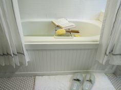 update old tub with beadboard