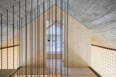 Gallery of Compact Karst House / dekleva gregorič arhitekti - 17