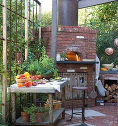 Links to pictures of many pizza ovens and outdoor kitchens. -CAB