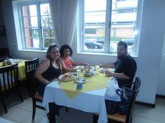 Mi hermana Jussara y mi sobrino Mateus en la Vila Germânica en Blumenau.