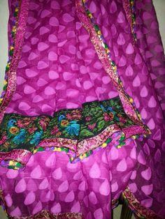 Beautiful Saree wid Aari work on pallu........  S.O.L.D