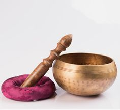 Best Himalaya's Hand Hammered Singing Bowl is an antique hand beaten brass singing bowl prepared with the traditional Nepali Tibetan procedure for meditation and chakra healing. Healing Meditation, Daily Meditation, Chakra Healing, Sound Healing, Types Of Yoga, Chinese Medicine, Mortar And Pestle, Alternative Medicine, Spirituality