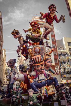 Mi Falla...Falla San Vicente - Periodista Azzati - 2016 (Valencia - Spain) Carnival Fashion, Parade Floats, Fall Memes, Festivals Around The World, Holiday Places, Fantasy Places, Valencia Spain, Spain And Portugal, Character Modeling