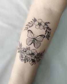 imagen descubierto por Naty. Descubre (¡y guarda!) tus propias imágenes y videos en We Heart It Tatting, November, Videos, Cover, Flower Back Tattoos, Tatoo, Tattoos, Block Prints, Party