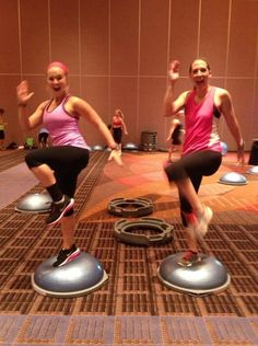 Full class using BOSU balls only at Midwest Mania Fitness Conference in Chicago this weekend! #BOSU #balancetrainer #scw #midwestmania2013 #fitness #jperryfitness
