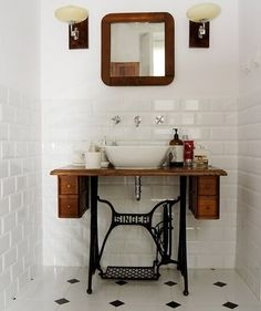 Nähtisch als Waschtisch 3 Modern Small Bathroom Ideas - Great Bathroom Renovation Ideas That Will Bl Sewing Machine Tables, Antique Sewing Machines, Sewing Table, Diy Bathroom Vanity, Small Bathroom, Vanity Sink, Bathroom Ideas, Master Bathroom, Bathroom Trends