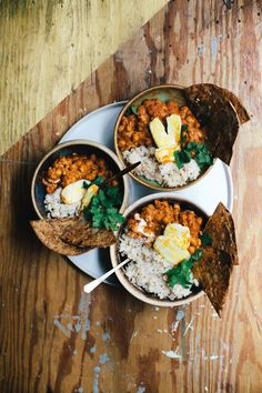 """The COZIEST dinner of the season is here! Try this super simple Masala Chickpeas with Coconut Rice and Cheesy Garlic """"Naan. Fried Fish Recipes, Healthy Pasta Recipes, Veggie Recipes, Indian Food Recipes, Dinner Recipes, Ethnic Recipes, Veggie Meals, Healthy Meals, Healthy Food"""