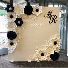 Best Ideas Wedding Backdrop Black And White Paper Flowers White Paper Flowers, Paper Flower Decor, Giant Paper Flowers, Paper Roses, Flower Decorations, Wedding Decorations, Flower Wall Backdrop, Wall Backdrops, Floral Backdrop