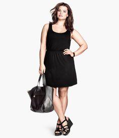 Black dress with an elastic waist Black tank dress with elastic waist, falls about knee length H&M Dresses Latest Fashion For Women, Fashion Online, Stylish Dresses, Dresses For Work, Black Tank Dress, Chanel, Fashion Outfits, Fashion Trends, Plus Size Fashion