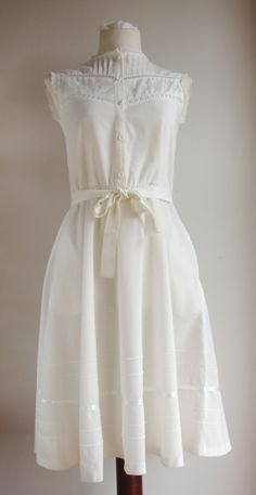 Vintage White Cotton Summer Dress Size S/M by Mammaschest.etsy.com