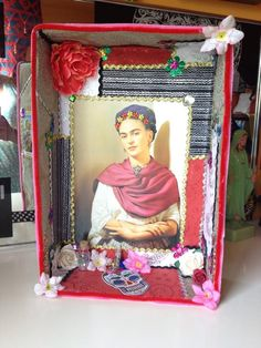 Day of the Dead/Dia de los muertos shrine/shadow box featuring Frida Kahlo by KahloOnMyMind on Etsy