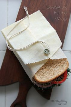 Reusable sandwich bag - The waxy cloth can be rinsed off using water and mild soap, if necessary, hung to air-dry, and its ready for use again.