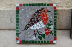 Christmas Mosaics, Christmas Art, Christmas Themes, Christmas Images, Mosaic Artwork, Mirror Mosaic, Mosaic Glass, Glass Art, Mosaic Birdbath
