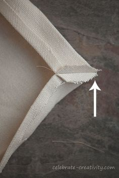 Perfect mitered corners. Great detailed tutorial for mitered napkins