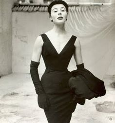Y-Line- Dior popularized the y-line silhouette. This was a slim and narrow dress but the top was a v-neck shape.