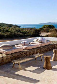 Sieste sur la terrasse Have a rest + sea + sun + patio + terrace Outdoor Seating, Outdoor Rooms, Indoor Outdoor, Outdoor Living, Outdoor Decor, Rustic Outdoor, Lounge Seating, Villa Design, Banquette Palette