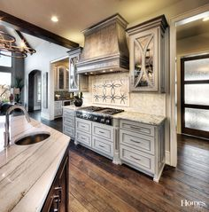 Choosing Your New Kitchen Cabinets Kitchen Hoods, New Kitchen, Kitchen Dining, Kitchen Decor, Kitchen Cabinets, Warm Kitchen, Elegant Kitchens, Beautiful Kitchens, Luxury Kitchen Design