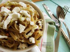 """Ho trovato l'ispirazione per realizzare questo piatto dal libro di Martha Stewart """"Vegetariana"""". La ricetta originale prevedeva radicchio rosso, ricotta e pasta integrale. Io vi presento una variazion"""