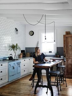Industrial style kitchen   / Vintage House Daylesford. Photo Sharyn Cairns. Interior: Kali Cavanag.