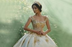 While we absolutely love long, flowing gowns, we must admit that there's nothing sweeter than a stylish short gown. Short wedding gowns can be cute, pretty, and even classic, depending on the style. They are not only ideal for less formal or outdoor weddings, but also for brides with vintage taste. In addition, short frocks …