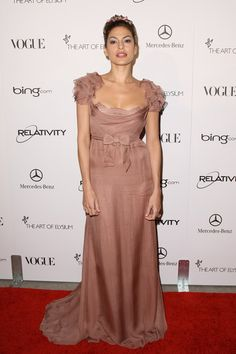 Eva Mendes Evening Dress - Eva flaunted her inner little girl in a frilly pink…