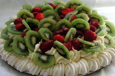 Australia/New Zealand Pavlova | Get the recipe to this delicious meringue dessert named after the Russian ballet dancer, Ánna Pávlova. #pavlova #dessert #meringue #recipe #Australia #NewZealand #sweet