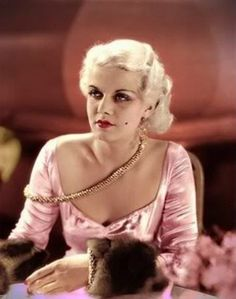 Jean Harlow, known as the blonde bombshell was a giant star in Hollywood when she suddenly died young while making her final film Saratoga. Hollywood Cinema, Old Hollywood Glamour, Golden Age Of Hollywood, Vintage Hollywood, Hollywood Stars, Classic Hollywood, Divas, Jean Harlow, Mae West