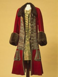 Winter Costume of Peter I Russia. Between 1710 and 1725 Broadcloth, galloon, beaver fur, damask and wool;: caftan camisole cm (c) The State Hermitage Museum Russia 18th Century Clothing, 18th Century Fashion, Russian Fashion, Royal Fashion, Fashion Women, Historical Costume, Historical Clothing, Vintage Outfits, Vintage Fashion