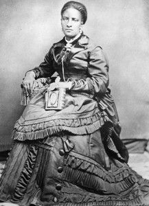 Phillips, Wyoming Midwife (Wyoming State Archives) Many African Americans who migrated west after the Civil War achieved a level of financial independence that seemed nearly impossible elsewhere. Phillips is dressed as a prosperous lady. Women In History, Black History, Great Women, Amazing Women, Wyoming State, Wyoming Mountains, Black Entrepreneurs, African Diaspora, Thing 1