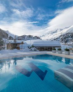 Hotel Hochfirst Obergurgl = 5*. From 460 EUR per day. On the slopes. 3h30 drive from Abtenau.