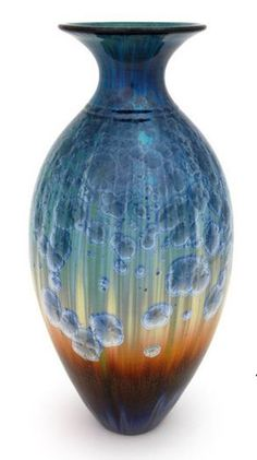 7 Whole Tricks: Blue Vases Ceramic vases drawing artists. Glazes For Pottery, Pottery Vase, Ceramic Pottery, Ceramic Art, Cool Ideas, Bill Campbell Pottery, Cristal Art, Vase Transparent, Vase Design