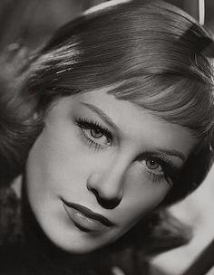 Hildegard Knef (Hildegarde Neff), 1952
