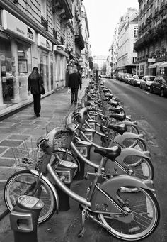 Artsy > Vélib: Paris bicycle share